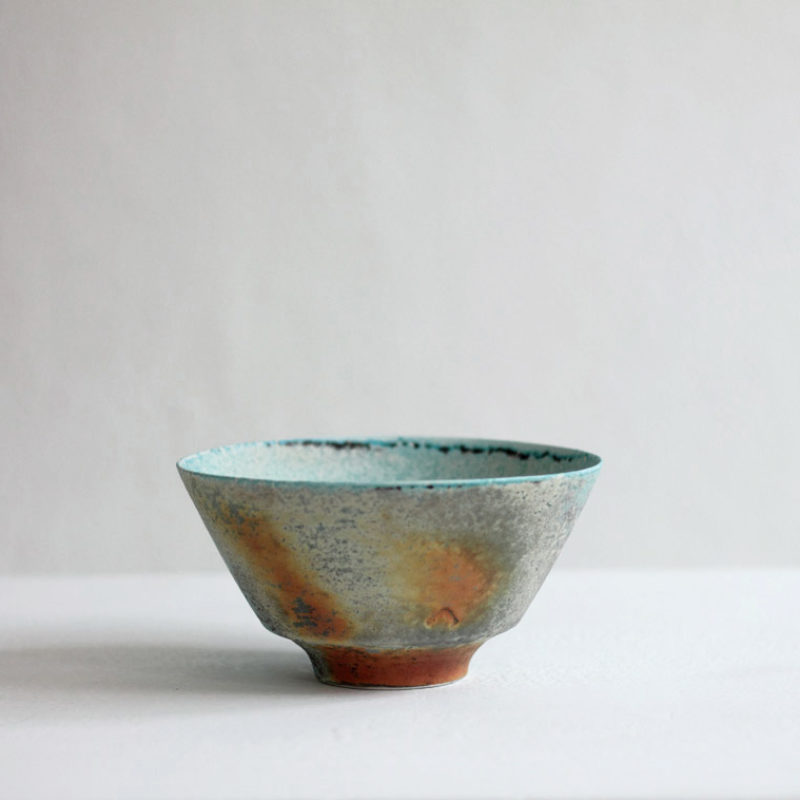 Jack Doherty 4. Wide Shallow Bowl Soda Fired Porcelain d. 17 cm.