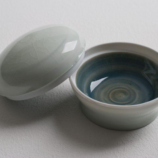 Olen Hsu Small Lidded Box Cobalt and Celadon with Cobalt Underglaze Banding Porcelain 8 x 5 cm.