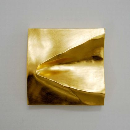 Simon Allen Sandform study 1, 23.5ct Gold on carved wood 29 x 29cm