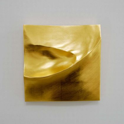 Simon Allen Sandform study 5, 23.5ct Gold on carved wood 29 x 29cm