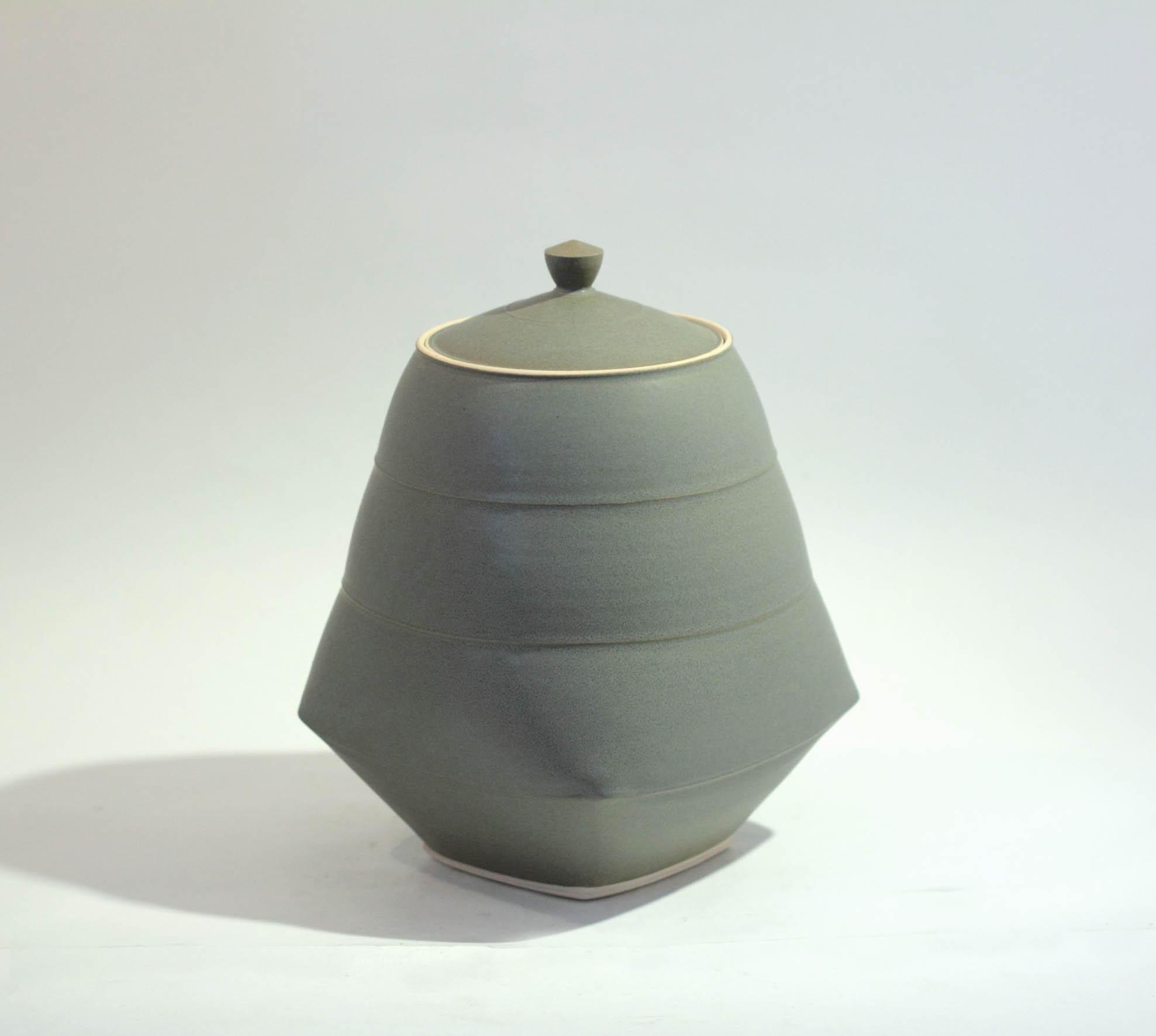 Sun Kim C1 Large Lidded Jar h24 x 16-5cm