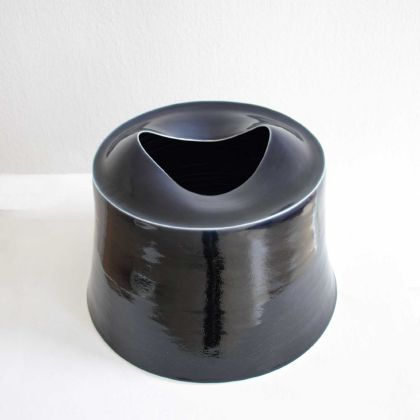 Tanya Gomez Large MIdnight Blue Porcelain 28 x 36 cm.