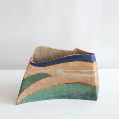 Jill Fanshawe Kato 38. Fly to the Coast, Stoneware