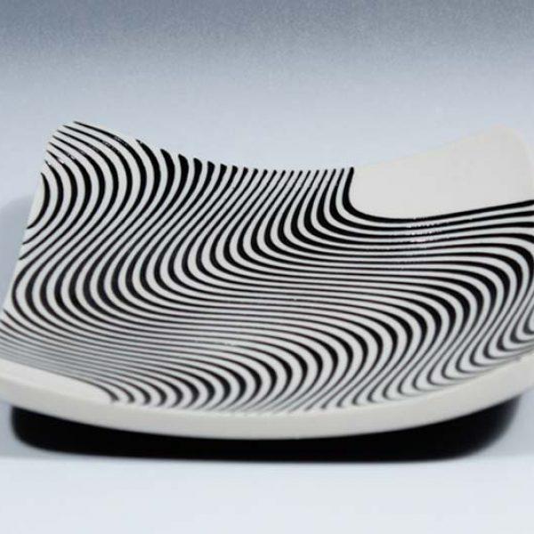 Suleyman Saba SS21_Porcelain square wave dish d15 x 15 cm