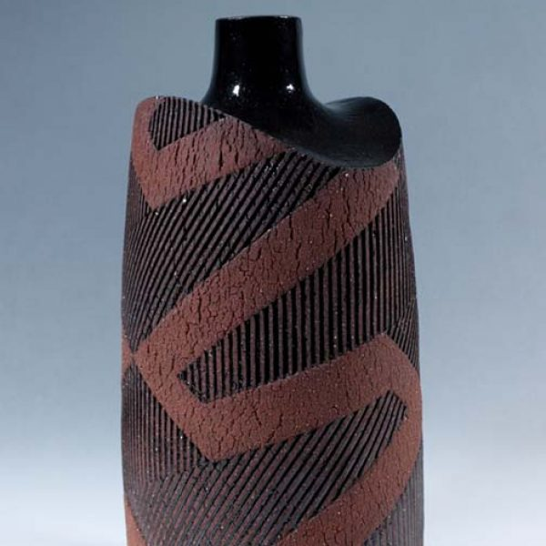 Suleyman Saba SS2_Tall vase, red and black stoneware h25 x 14