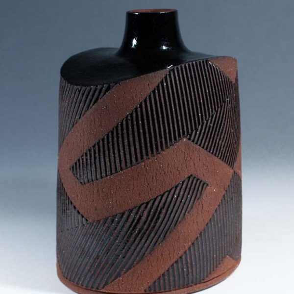Suleyman Saba SS3_Squat vase, red+black stoneware h18 x 14 cm