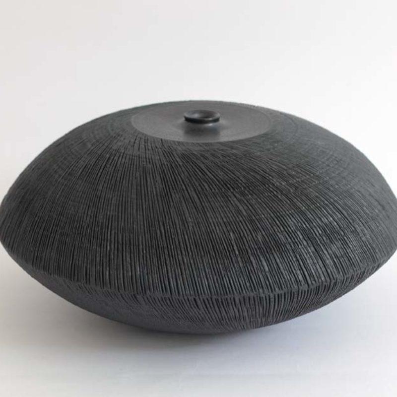 Christiane Wilhelm 10. Lens, Dark Structure Stoneware ht. 10 x Ø 24 cm.