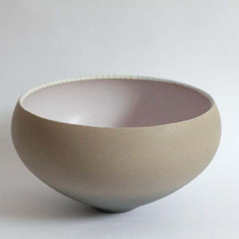 Christiane Wilhelm 9. Bowl with pink interior Stoneware ht. 13 x Ø 25 cm