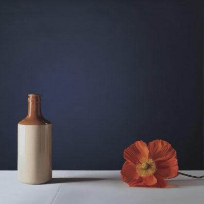 Jo Barrett B11. Still Life with Stoneware Bottle and Icelandic Poppy, Oil on canvas 80 x 115 cm.