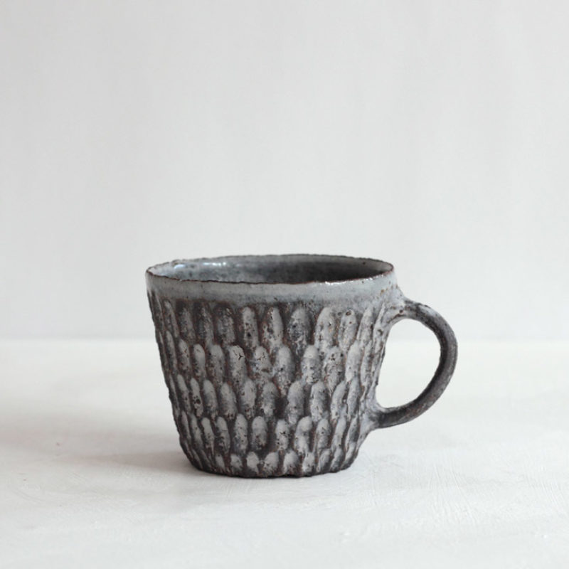 Akiko Hirai H54 Dry Kohiki Mug, Stoneware h8 cm.