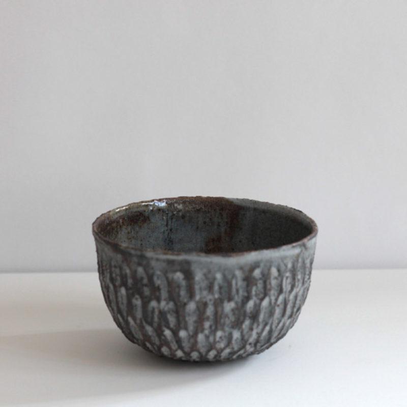 Akiko Hirai H60. Dry Kohiki Bowl, Stoneware d13 cm.
