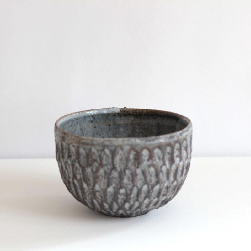 Akiko Hirai H62. Dry Kohiki Bowl, Stoneware d12 cm.