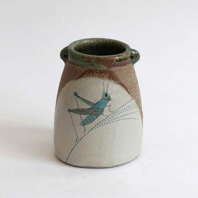 JFK26 Grasshopper Vase, Stoneware 10 x 7.5 cm. £130