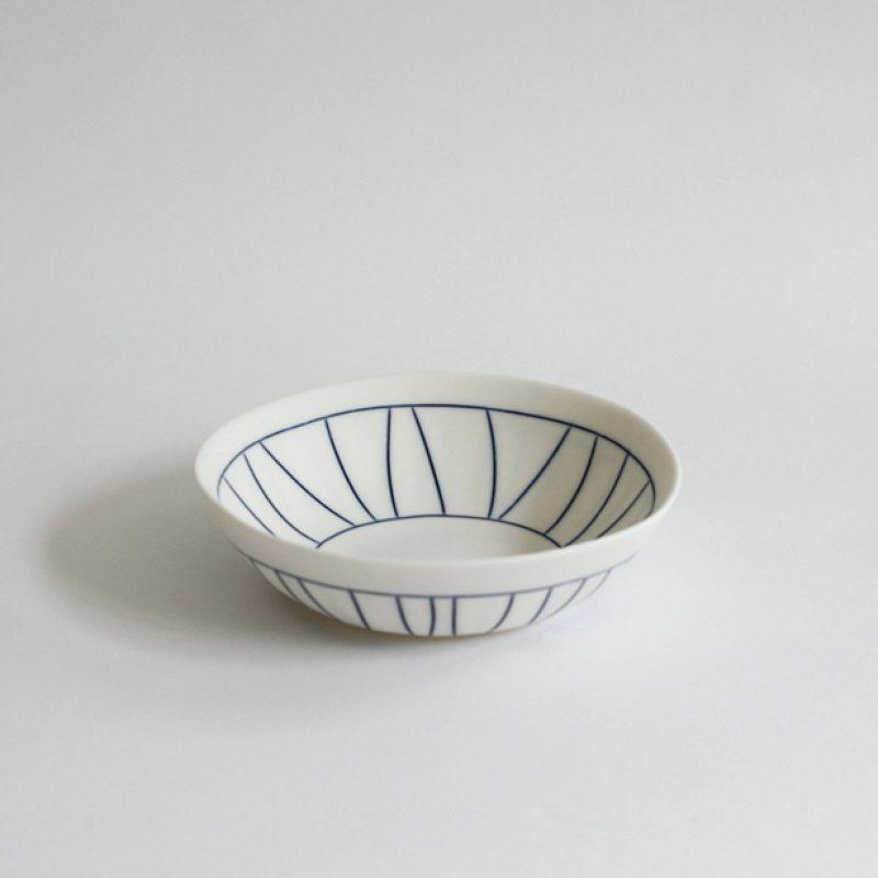 S28. Little Bowl, Parian Clay 4 x 13 cm. £120